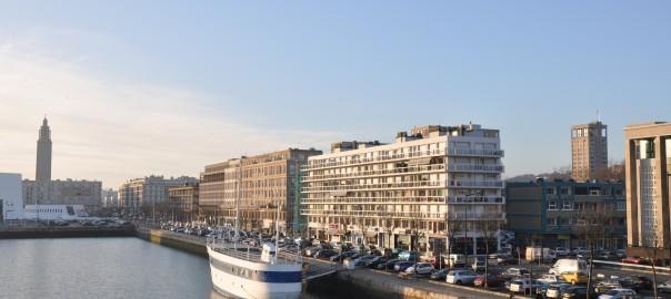Le_Havre,_Bassin,_quai_George_V_orienté_Ouest